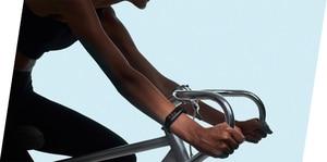 Image 4 - オリジナルxiaomi miバンド4スマート腕時計amoledカラー画面heartrateフィットネススポーツ50ATM防水スマートブレスレットのbluetooth 5.0
