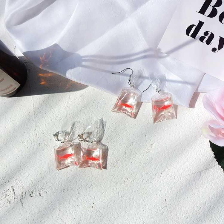 女性素敵なアクセサリージュエリーギフトイヤリングチャーム樹脂イヤリングミニ金魚水袋の形状おかしい漫画