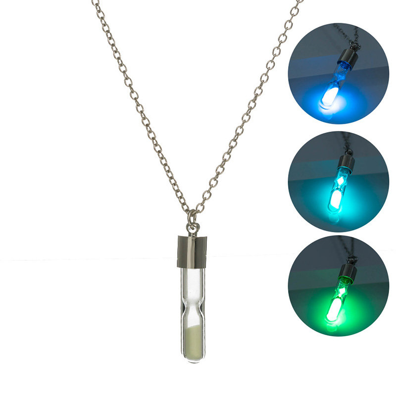 Charm Women Men Glowing Luminous Sand Timer Pendant Glass Necklace Glow In the Dark Chain Necklace Classic Couple Jewelry Gifts
