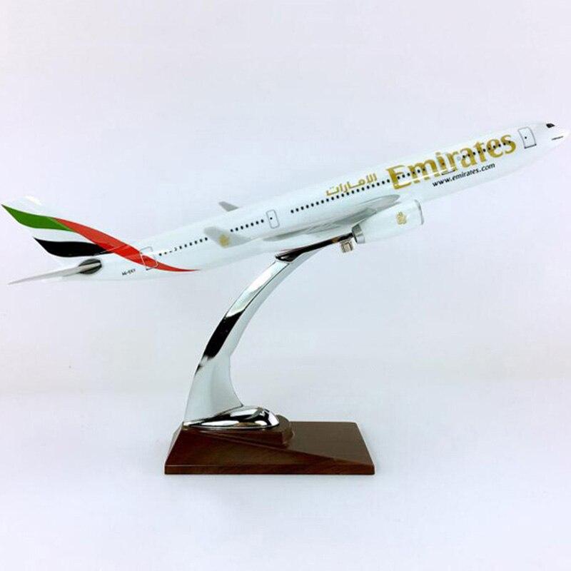 30CM avion 1:200 échelle Airbus A330-200 modèle emirats arabes unis avion avion W base en alliage moulé sous pression avion jouet à collectionner