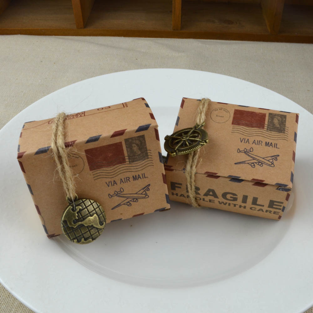100pcs Travel Theme Vintage Kraft Paper Candy Gift Boxes Air Mail Airplane Printed Wedding Favors Gift Boxes Bags Packaging Bags image