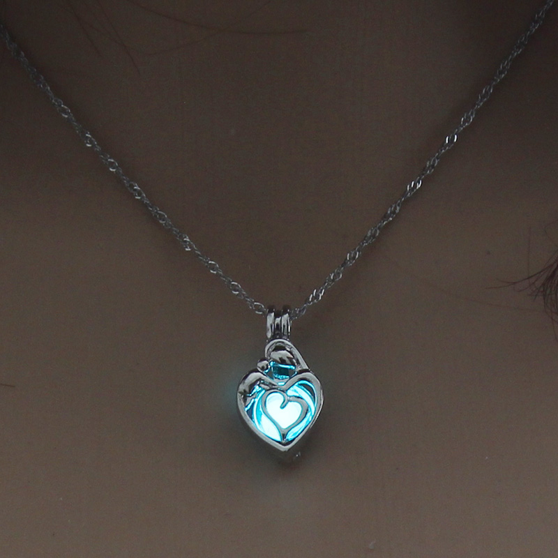 Hf1ec1b85660d4601b8125a27a346b9acg - 3 Colors Glowing In The Dark Lotus Flower Shaped Pendant Necklace Charm Chain Delicacy Necklace Luminous Party Jewelry Women