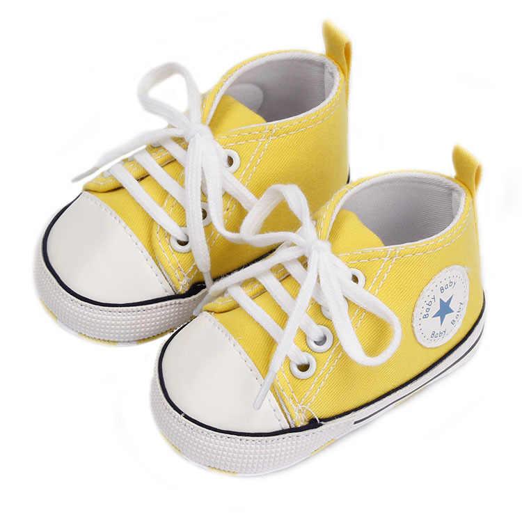 Tênis esportivos para bebês clássicos, calçados esportivos para recém-nascidos, bebês, meninos, meninas, crianças que estão aprendendo a andar, sola macia e antiderrapante sapatos com calçados