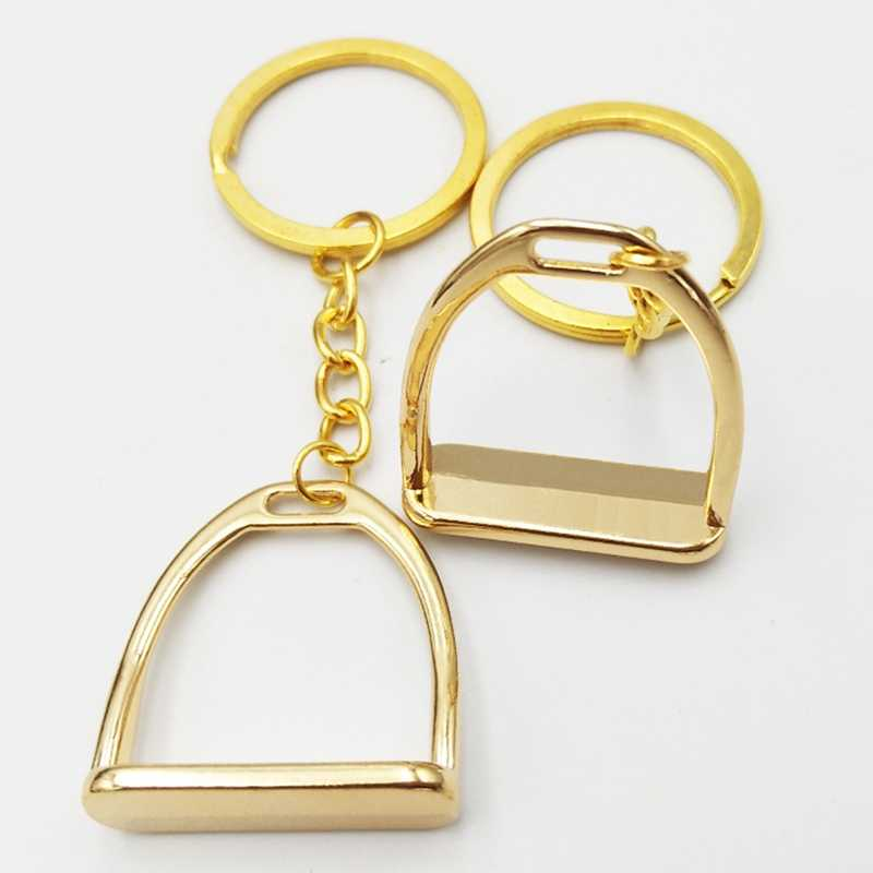 Eenvoudige Elegante Ontwerp Westerse Stijgbeugel Sleutelhanger Sleutelhanger Hanger Tool voor Mannen Vrouwen Bag Decoratie Paardensport Equine Paard Thema