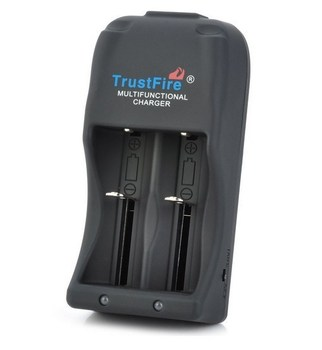 30pcs/lot TrustFire TR-006 Battery Charger 26650 25500 26700 18650 16340 4.2V-3.0V Li-ion Auto Stop Charging Batteries Charger