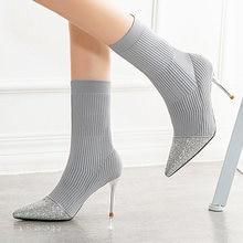 Женские сапоги с острым носком; Сапоги до середины икры украшением;