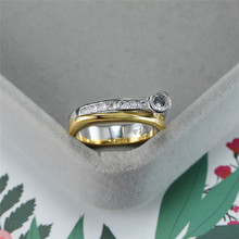 цена на Classic Female White Crystal Stone Ring Vintage Gold Silver Wedding Rings For Women Cute Bridal Round Engagement Ring
