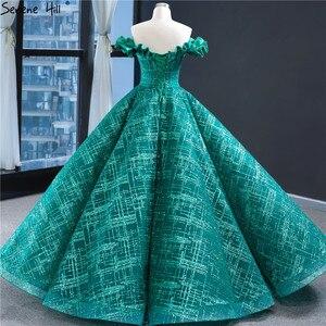 Image 2 - Dubai yeşil Vintage kolsuz gelinlik 2020 kapalı omuz seksi Glitter gelin kıyafeti HM67004 Custom Made