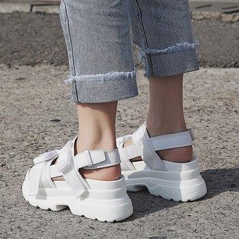 Summer Women Buckle Design Black White Platform Sandal Comfortable Women Thick Sole Beach Shoe 1