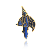 Wholesale Raytheon 3 gods dusk rocky helmet brooch Justice League Thor Enamel Pin Golden Helmet Badge Jewelry Women Men Gift
