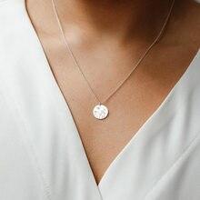 Женское Ожерелье с круглой подвеской, золотистого/серебристого цвета, с цветочным узором, короткое ожерелье, цепочка до ключицы, 2020
