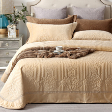 luxury European Style Fleece fabric Quilt sets Bedspread Pillowcases Double Bed Sheet Bed Cover blanket 245X245cm