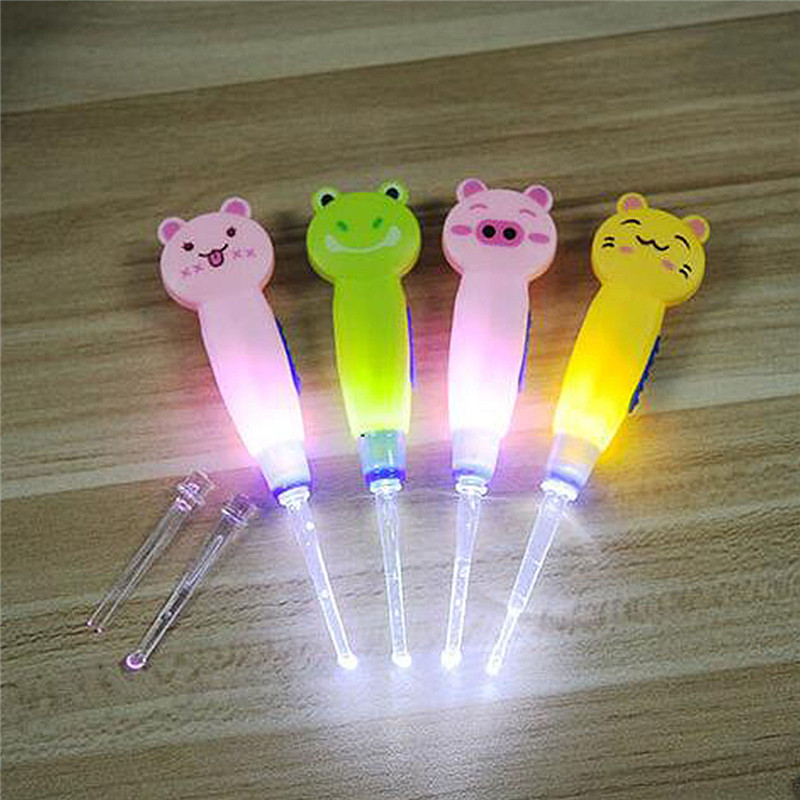 LED Flash Light Dig Ear Ear Syringe Ear-pick Wax Remover Pick Earpick Cleaning Product For Baby Children Clean Ears Light