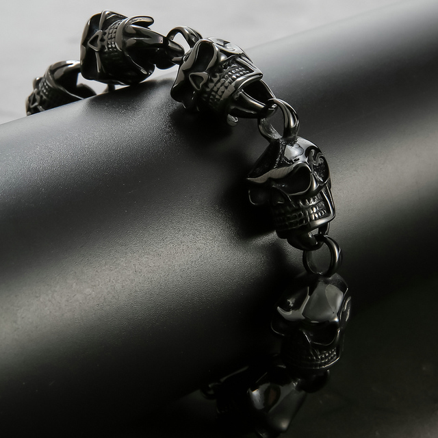 BLACK STAINLESS STEEL SKULL HEAD BRACELET