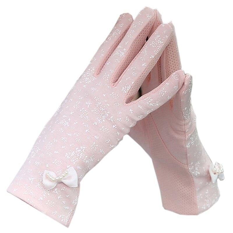 Women's Gloves Anti Skid Butterfly Pattern Sweet Ladylike Stylish Gloves Accessory