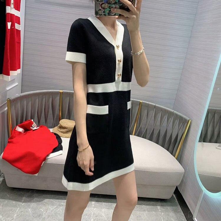 2020 All'inizio della Primavera delle Donne Nuovo Modello di Modo Girly Stile di Cucitura di Colore Con Scollo A V Vestito Di Natale 2 Colori Red & Black - 5
