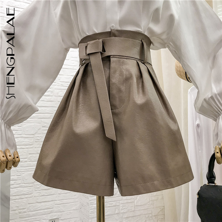 SHENGPALAE Pu Shorts Woman 2020 New Arrival Spring Thin And Thin High Waist Loose With Belt Female Shrots Tide Fashion 5D181