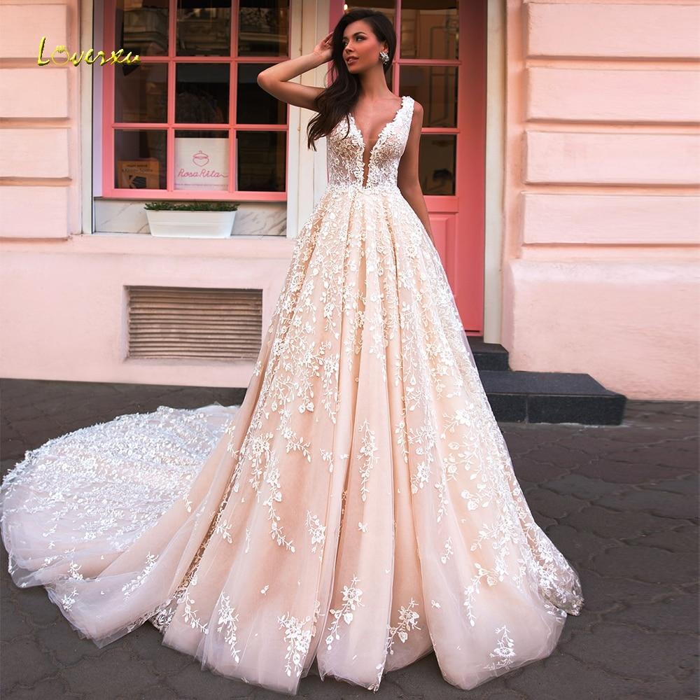 Loverxu V-Neck A Line Lace Wedding Dress Delicate Appliques Tank Sleeve Backless Bride Dress Chapel Train Bridal Gowns Plus Size