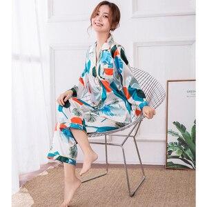 Image 2 - JRMISSLI Conjunto de Pijama con estampado de flamenco para Mujer, ropa de dormir para el hogar de satén, elegante, de seda, a la moda, para Primavera, 2019