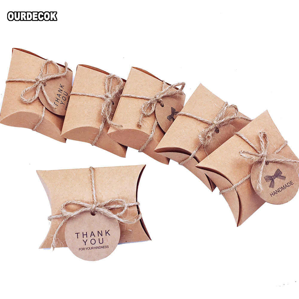 50pcs/Lot Cute Kraft Paper Pillow Candy Box Wedding Favors Gift Candy Boxes With Tags Home Party Birthday Supply