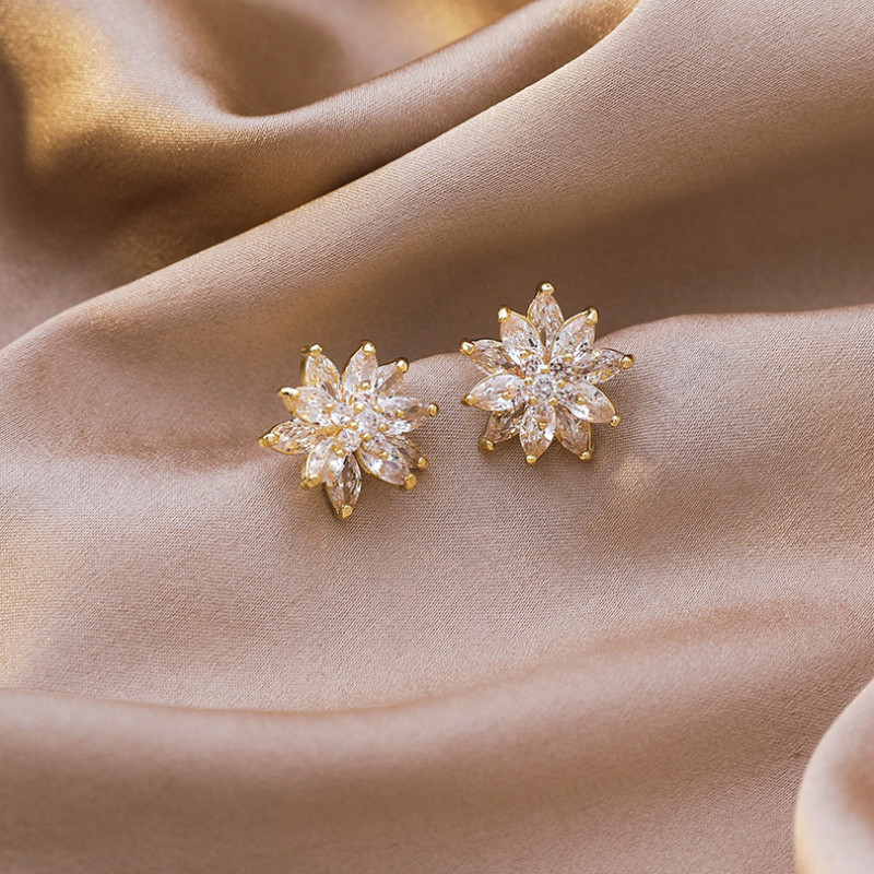 2020 New Arrival Classic Geometric Crystal Three Layer Zircon Flower Stud Earrings For Women Fashion Sweet Jewelry Gifts