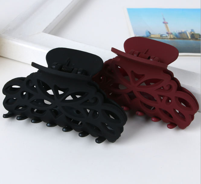 Arrival Headwear Hairdress For Women Scrub Black Plastic Hair Claw Clips Hollow Out Carving Crab For Hair Large Size Hair Clamps