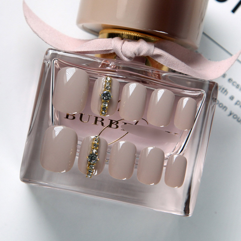 24pcs/set Light Grey Rhinestone Short Size Design Artificial Nails DIY Fashionfake nails with glue fake nails press on(China)
