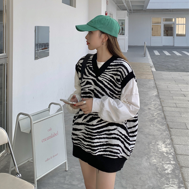 Women Waistcoat Sweater Vest Fashion Zebra Pattern Knitted Sweaters Pullover V Neck Autumn Winter Warm Tops Loose Woman Clothes 4