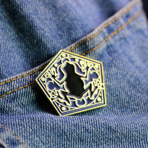 LXJERY Cartoon Magician Enamel Pin Badge On Backpack Funny Chocolate frog Brooch Pins For Clothes Broche For Schoolbag