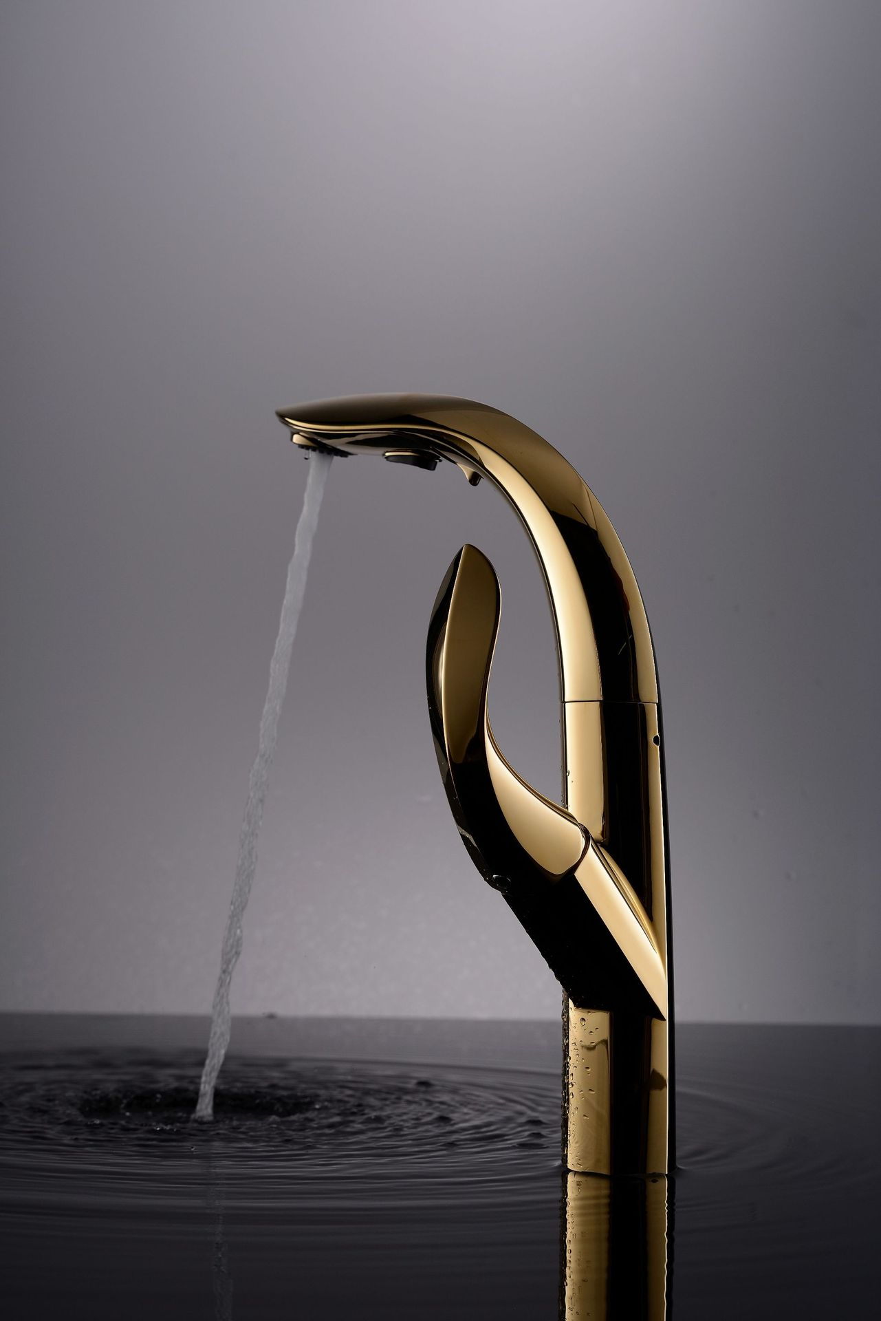 Dofaso Gold Faucet Luxury Design European-Style Faucet Quality Pulling Hot And Cold Water Mixing Golden Kitchen Faucet