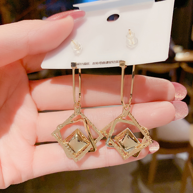 Korean fashionable temperament hollow-out geometric blue crystal earring new fashionable personality exaggerated earrings female