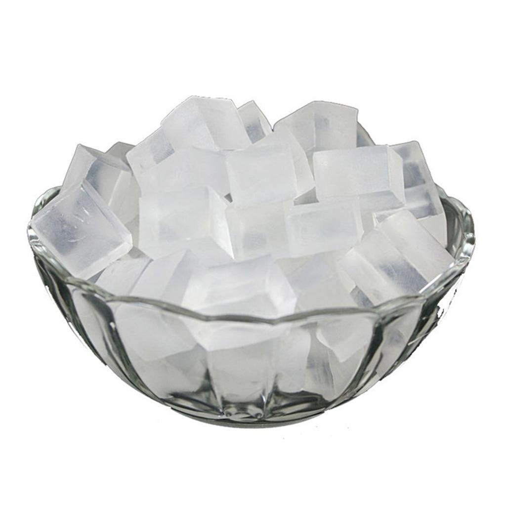 Основа для мыла из 100% органического белого и прозрачного глицерина, расплавленная и налейте всю натуральную планку для мыла ручной работы...
