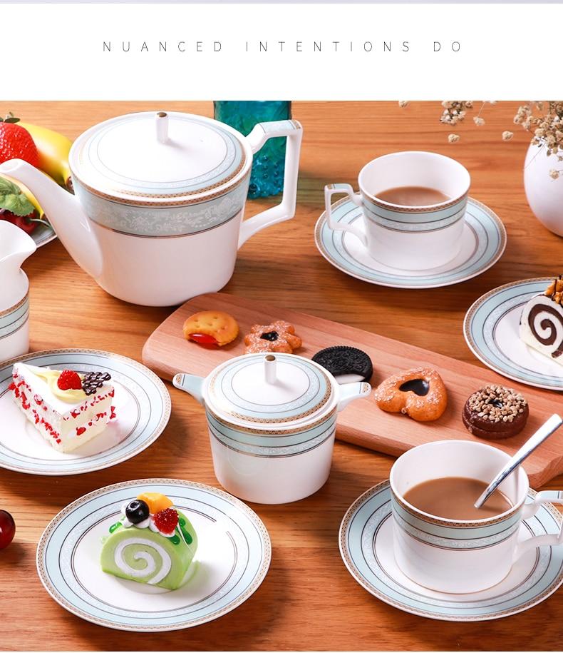 Luxo cerâmica xícara de chá e pires