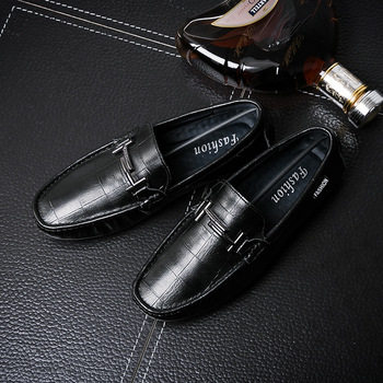 Classics Fashion Men Leather Loafer Shoes Solid Genuine Leather Slip On Driving Shoes Spring Autumm Comfy   Flat Footwear