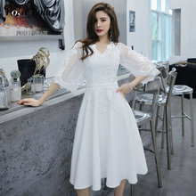 Plus Size White Prom Dresses Short 2019 V neck A line Appliques Evening Gowns With Sleeves Junior Graduation Party Dresses