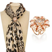 Gariton Real Shooting Gold Color Jewelry Fashion Camellia Rhinestone Brooches For Women Tricyclic Scarf Clip BKb66