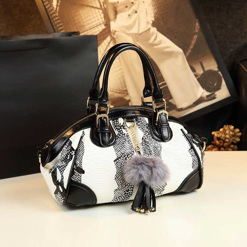 2020 New Fashion Women Handbag Tassel Dumpling Bag Female Soft Cowhide Leather Shoulder Messenger Ba
