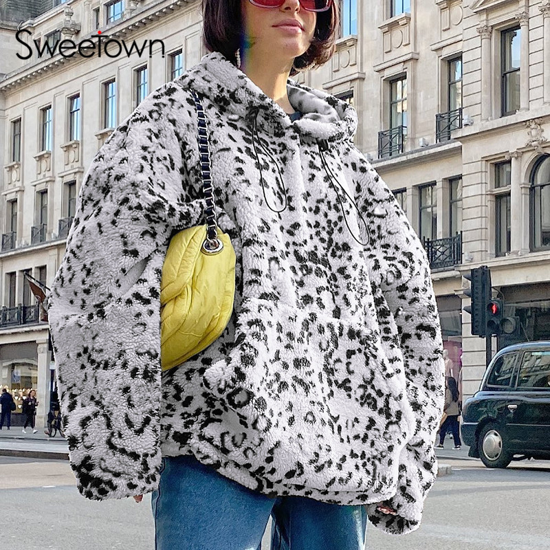 Sweetown Leopard Print Warm Winter Teddy Coats For Women Casual Loose Pocket Pullover Hoodies Fashion Ladies Faux Fur Long Coats