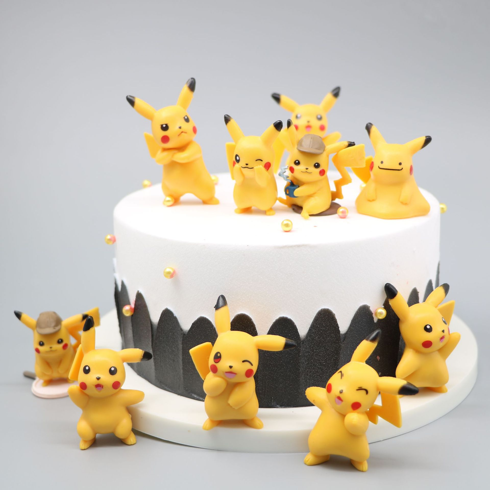 Véritable TAKARA TOMY Capsule Machine poupée 10 pièces Pokemon Pikachu aveugle boîte jouet main modèle gâteau décoration ornements