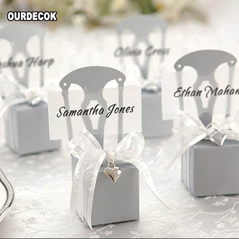 Wedding Favors Candy Boxes Chair Shape Place Card Holder Paper Gift Boxes With Name Card Ribbon Heart Pendant caja de dulces