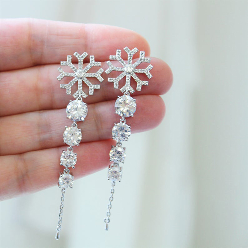Huitan New Fashion Hanging Earrings for Women Silver Color Dangle Earrings Snowflake Crystal Zircon Wedding Drop Earring Jewelry