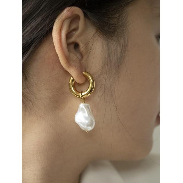 Baroque Pearl Earrings Gold Circle Earclip 1