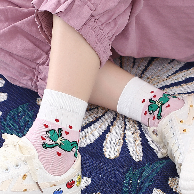 Korean Style Women Socks Fashion Vintage Kawaii Cartoon Frog Rabbit Tide Socks Casual Harajuku Jacquard Breathable Socks SA-8