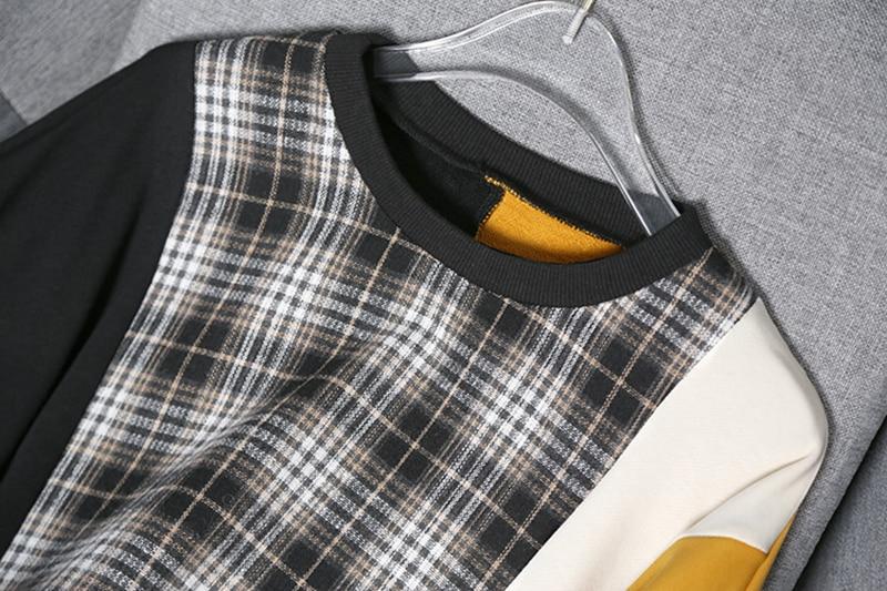 [EAM] Loose Fit Black Plaid Irregular Sweatshirt New Round Neck Long Sleeve Women Big Size Fashion Tide Spring Autumn 2020 1Y233 2