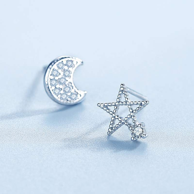 Simple Female Star Moon Small Earring Charm Silver Color Wedding Earring Cute White Hollow Crystal Stud Earrings For Women