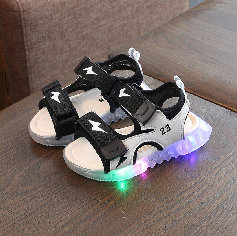 Kids LED Sandals Light Up Children Summer Shoes Glowing Sport Sandals Boys And Girls Flashing Soft Beach Shoes For Toddlers
