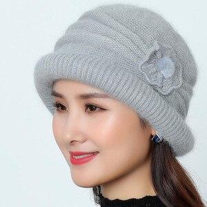 Image 4 - Frauen Wolle Hut Kappe Woolen Beanie Hut Winter Gestrickte Hüte mit Blume Muster Damen Mode Warme Frauen Capot Skullies Kappe