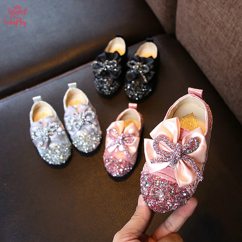 2019 New Autumn Girls Leather Shoes Round Head Baby Square Mouth Shoes Girls Sweet Soft Bottom Flowers Princess Shoes