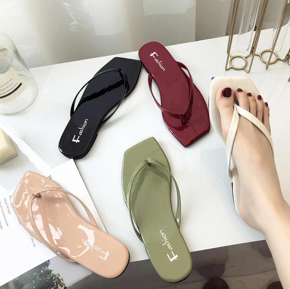 2020 Women Patent Leather Slippers Fashion Summer Square Head Slippers Ladies Casual Flat Beach Flip Flops Slipper Holiday Slide