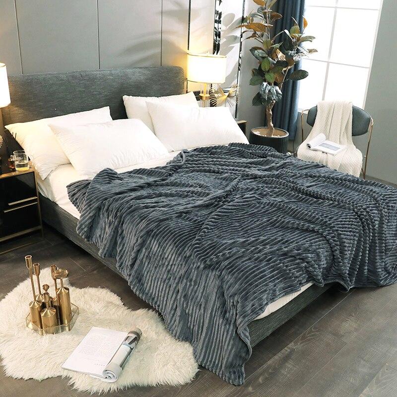 Skin-friendly Coral Velvet Sofa Bed Blanket Multipurpose Home Office Travel Nap Blanket Soft Warm Four Seasons Cover Blanket